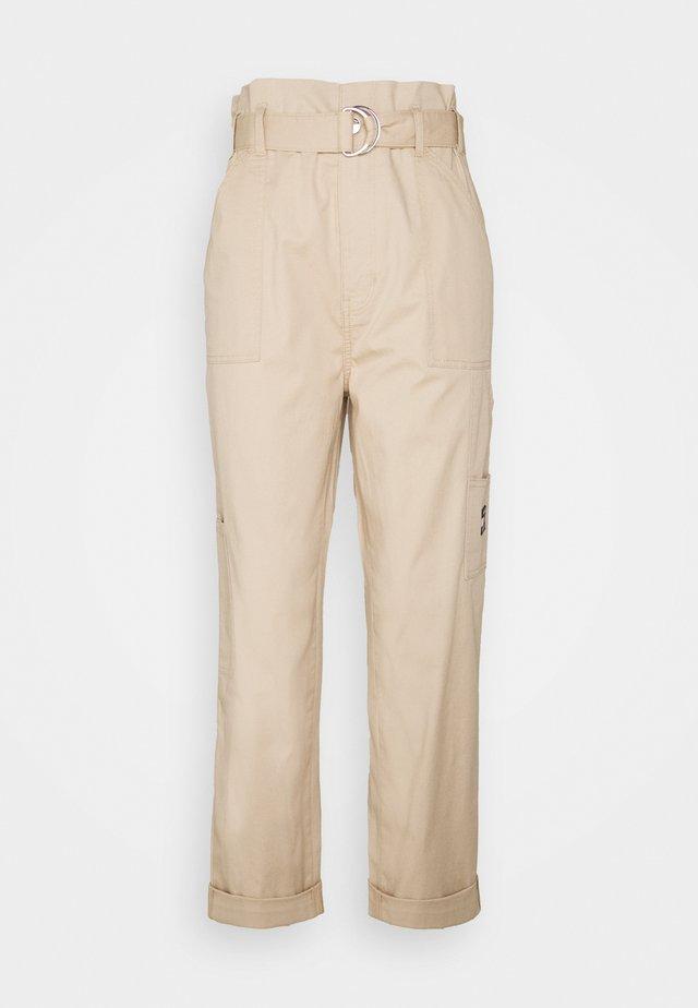PAPERBAG PANT - Pantalon classique - sahara tan