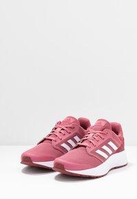 adidas Performance - GALAXY  - Neutrale løbesko - trace maroon/footwear white/red - 2
