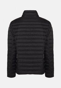 Emporio Armani - Down jacket - noir - 2