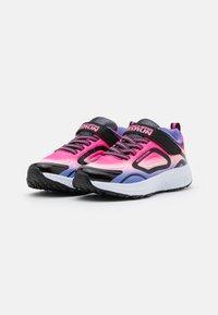 Skechers Performance - GO RUN CONSISTENT UNISEX - Chaussures de running neutres - black/multicolor - 1