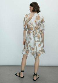 Massimo Dutti - MIT BLÄTTER - Day dress - brown - 2