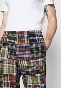 Polo Ralph Lauren - FLAT PANT - Trousers - multicoloured - 4