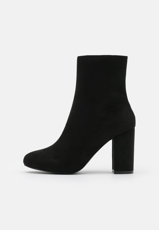 FLIRTY ROUNDED BOOT - Bottines à talons hauts - black