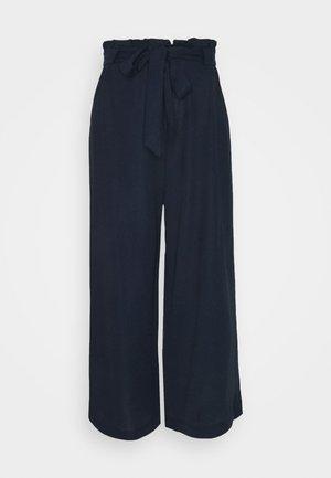 VMKAYLA CULOTTE PANT - Trousers - navy blazer
