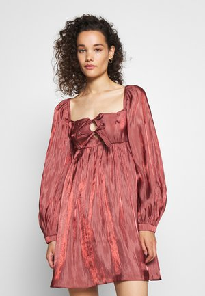 TIE FRONT BABY DOLL DRESS - Robe d'été - dark blush