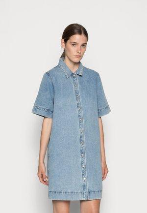 DRESS NANCY - Denní šaty - denim blue