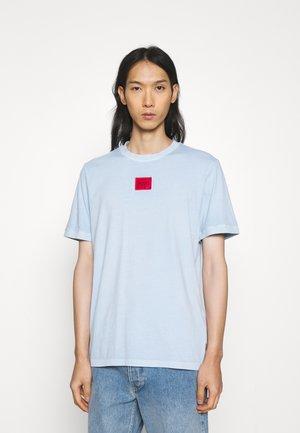 Basic T-shirt - pastel blue
