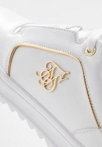SIKSILK - STORM - Trainers - white/gold - 5