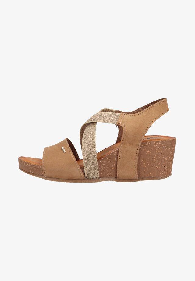 Sandaler m/ kilehæl - tortora