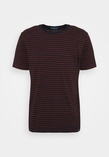 EASY CREWNECK TEE - Print T-shirt - dark blue