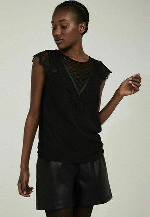 OEMILITO  - Print T-shirt - black