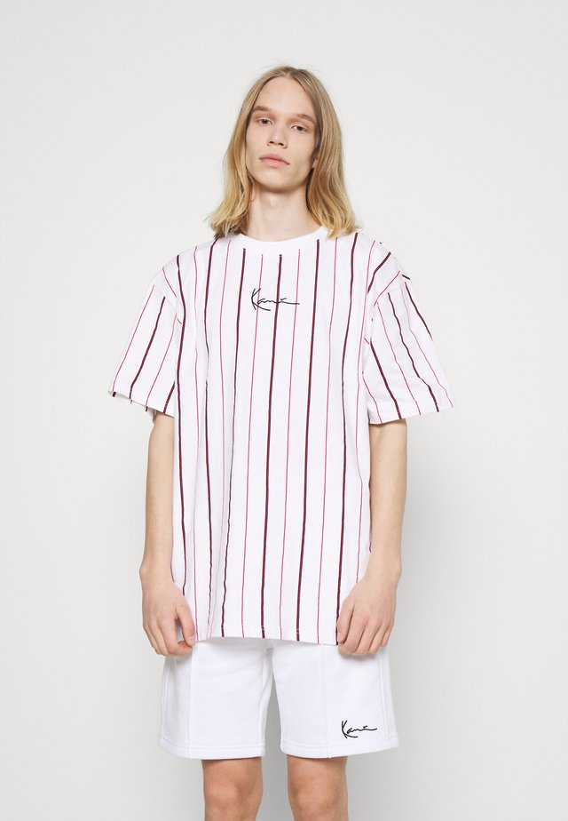 SMALL SIGNATURE PINSTRIPE TEE - Camiseta estampada - white