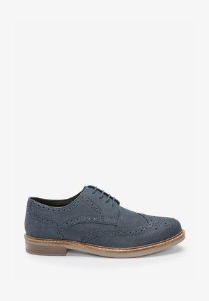 TAN WAXY FINISH BROGUE  - Volnočasové šněrovací boty - dark blue