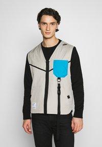 Nike Sportswear - VEST - Väst - stone - 0