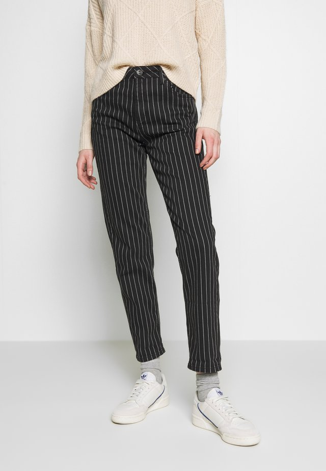 MOM JEAN - Relaxed fit jeans - pinstripe
