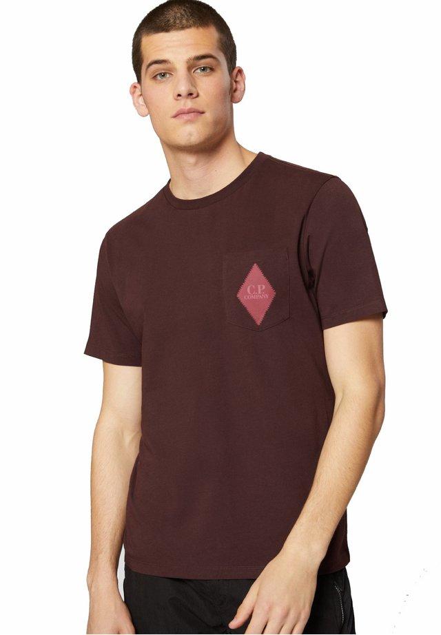 T-shirt con stampa - bitter chocolate
