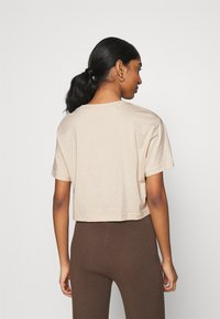 Nike Sportswear - TEE CROP - Print T-shirt - oatmeal - 2