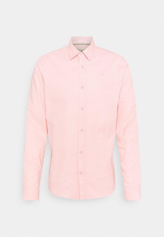 CORE STRIPE SHIRT - Overhemd - pale pink