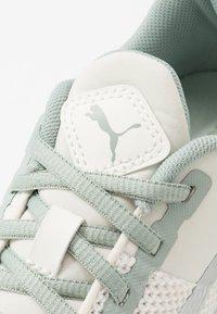 Puma - FLYER RUNNER SPORT - Zapatillas de running neutras - marshmallow/white - 5