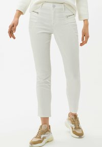 BRAX - STYLE SHAKIRA S - Jeans Skinny Fit - clean off-white - 0
