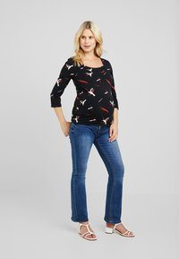 MAMALICIOUS - Long sleeved top - black/barbados cherry/snow white - 1
