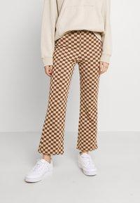 Monki - NOVA - Pantaloni - beige/brown - 0
