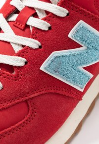 New Balance - 574 - Trainers - red - 5