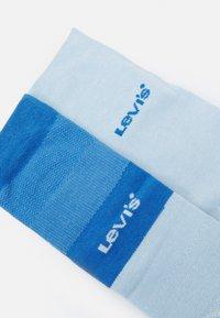 Levi's® - GRADIENT STRIPE REGULAR CUT 2 PACK - Socks - white/blue - 1