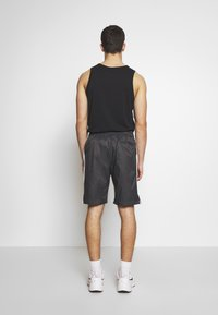Nike Sportswear - CORE  - Shorts - anthracite/vast grey - 2