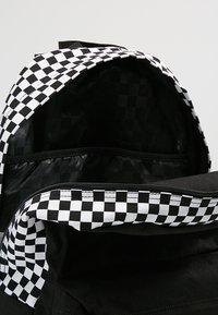 Vans - CENTRAL REALM BACKPACK - Rucksack - black - 4