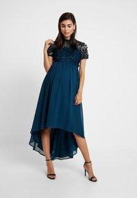 Chi Chi London Maternity - VERONICA DRESS - Vestido de fiesta - teal - 0