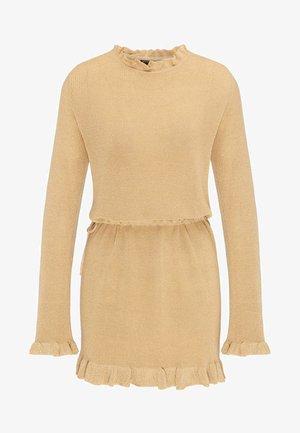 Jumper dress - gold