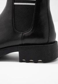 Adele Dezotti - Ankle boot - nero/bianco - 2