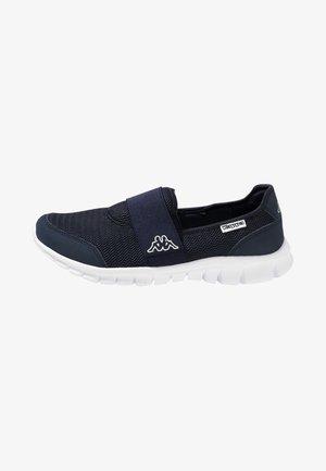 TARO - Sportieve wandelschoenen - navy/white