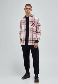 PULL&BEAR - Summer jacket - mottled pink - 1