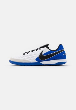 TIEMPO LEGEND 8 ACADEMY IC - Indoor football boots - white/black/hyper royal/metallic silver