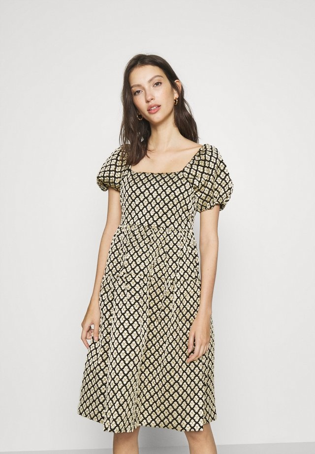 MARGIT PUFF SLEEVE DRESS SHOW - Cocktail dress / Party dress - black/gold