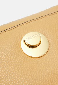 Coccinelle - LIYA - Handbag - warm beige/noir - 6