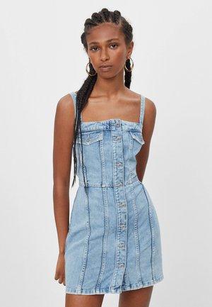 MIT KNÖPFEN  - Denimové šaty - blue denim