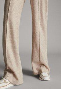 Massimo Dutti - MELIERTE  - Trousers - beige - 4