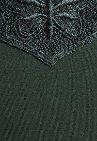 ONLY - ONLKIRA LIFE TOP  - Langærmede T-shirts - green gables - 2