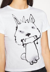 Weekday - FOREVER - Print T-shirt - thirsty dog - 5