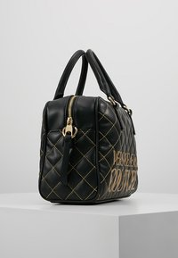 Versace Jeans Couture - QUILTED HANDBAG - Kabelka - nero - 3