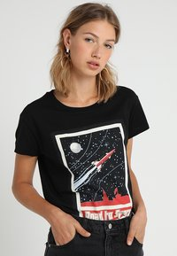 Merchcode - LADIES ROAD TO SPACE BOX TEE - T-shirt print - black - 0
