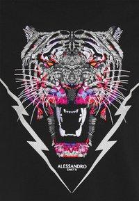 Alessandro Zavetti - GROWLER BOLT TEE - Triko spotiskem - black - 4