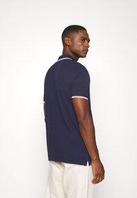 Lyle & Scott - TIPPED  - Polo shirt - navy/white - 2