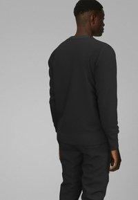 BOSS - TDIGITIZE - Maglietta a manica lunga - black - 2