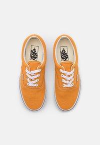 Vans - ERA - Trainers - golden nugget/true white - 5