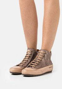 Candice Cooper - PLUS  - High-top trainers - cardiff legno/tamponato tortora - 0