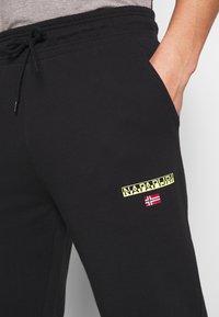 Napapijri - MERT - Pantalones deportivos - black - 3